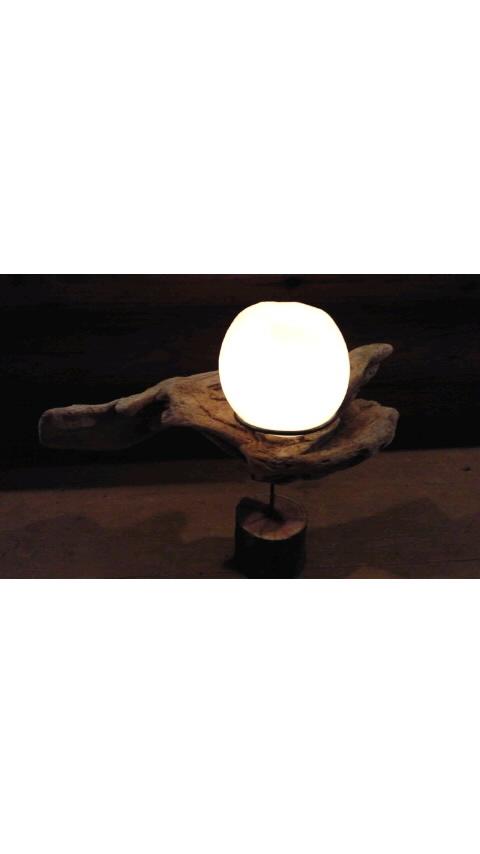 終戦記念日の灯り…